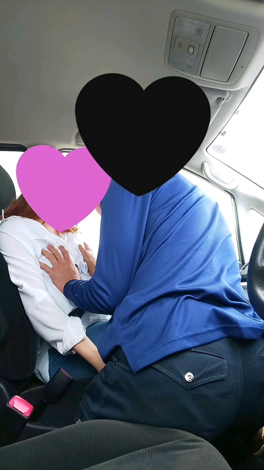 完全オリジナル【昼下がりの駐車場で若妻と車内スケベF行為】個人撮影
